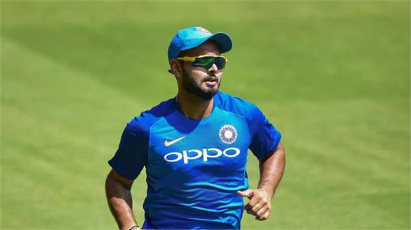 pressure mounts on pant as india look to draw first blood