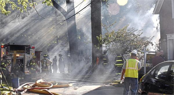 father of bride blows up home on daughter  s wedding day  police