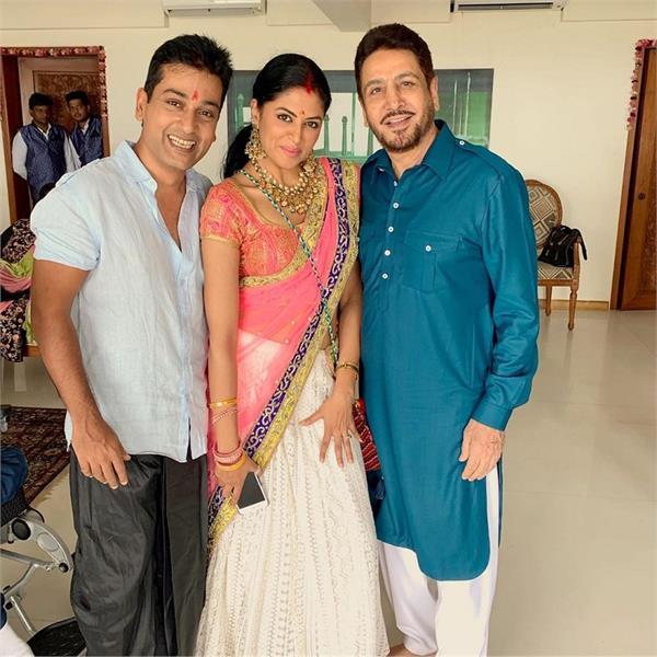 kavita kaushik shares her picture with gurdas maan