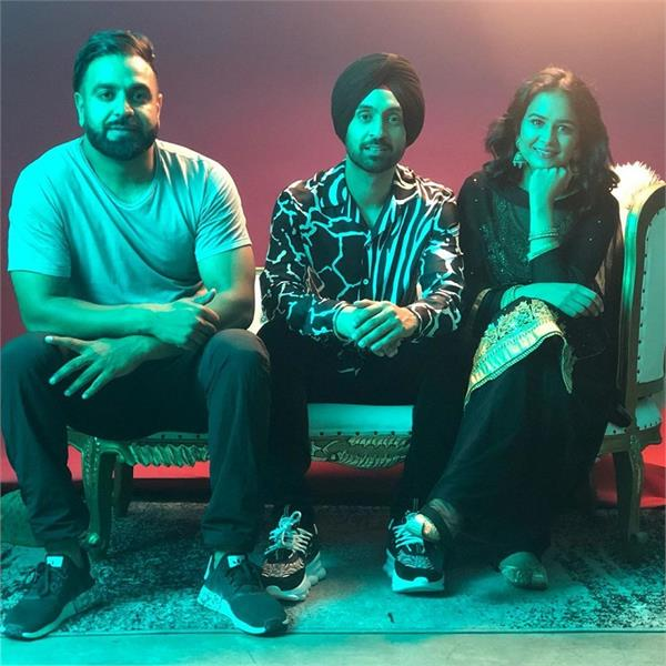 diljit dosanjh shoots for his next with roopi gill in the desert