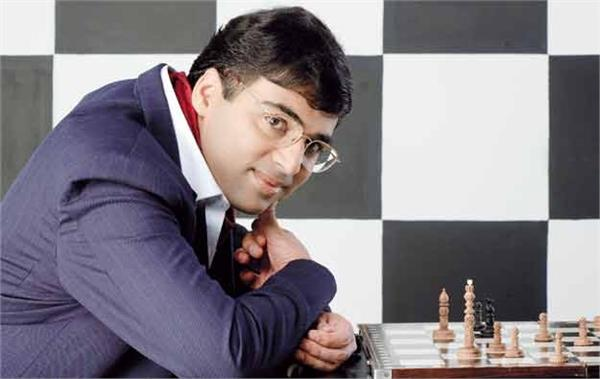 anand then reached the top spot in the humpy women in the top 10