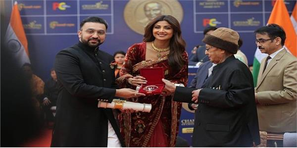 shilpa shetty awarded champion of change award