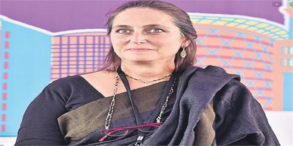 french honour for theatre artiste shashi kapoor s daughter sanjana kapoor