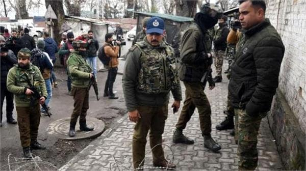 grenade attack by terrorists at crpf camp in pulwama