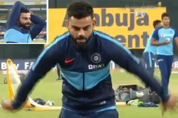 kohli bowled in bhajji style before the match  video