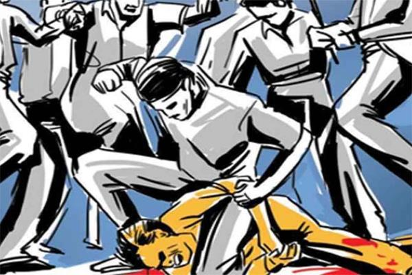 lawyer beaten to death by five men in lucknow
