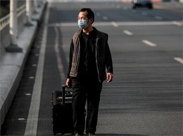coronavirus  china now banned people from leaving their homes