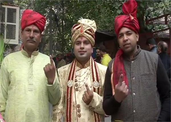 delhi elections 2020 bridegroom voting