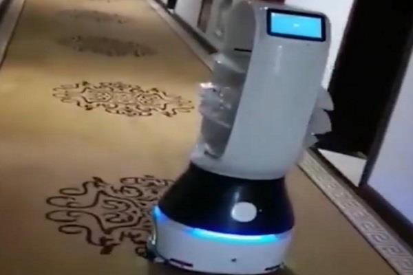 robots fight against coronavirus