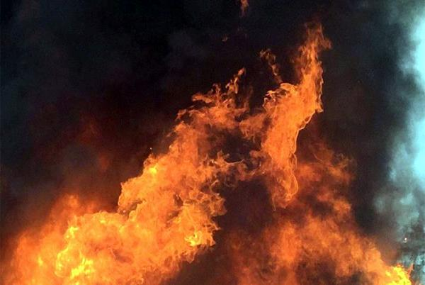 mumbai  fire breaks out in building at malabar hills