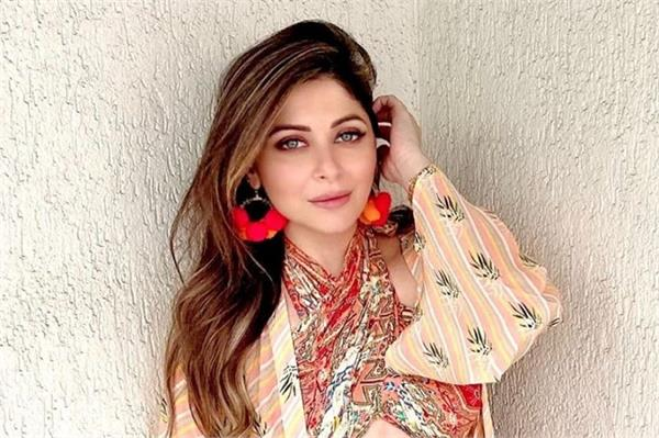 coronavirus singer kanika kapoor has tested positive for covid 19 fir