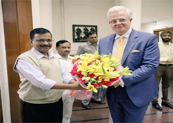 india arvind kejriwal manish sisodia meeting