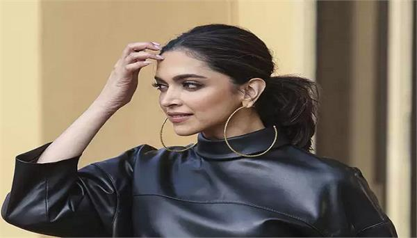 deepika padukone cancels paris fashion week trip over coronavirus scare