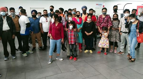 3 hundred indians trapped in dubai and malaysia
