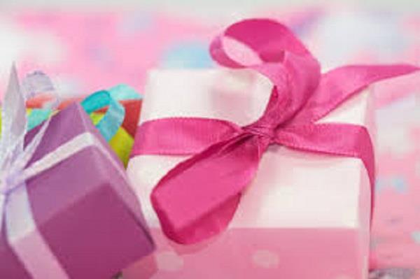 covid 19 positive child birthday celebrates in hospital