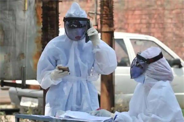coronavirus delhi health minister employees positive